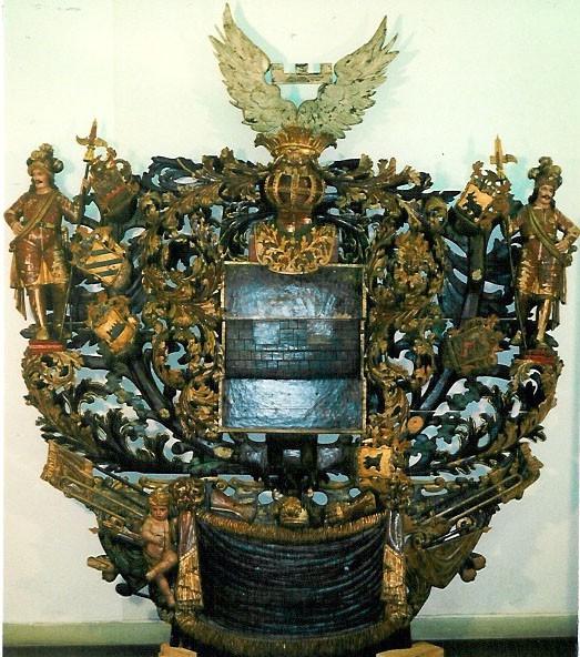 W. R. v. Wrangelli vappepitaaf. Chr. Ackermann (?), umb. 1697 (puit, polükroomia). Foto: Toomkiriku vapitöökoda 1996