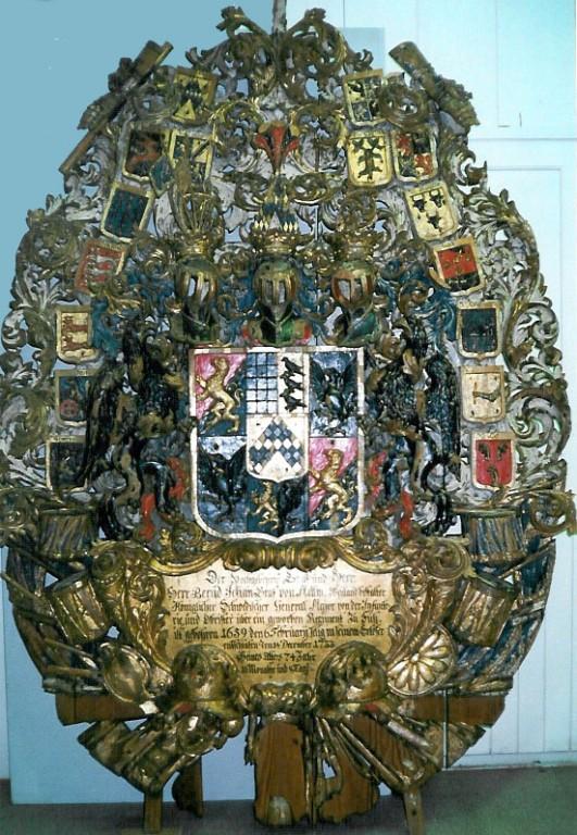 Krahv B. J. v. Mellini vapp-epitaaf. 1733 (puit, polükroomia). Foto: Toomkiriku vapitöökoda 1998
