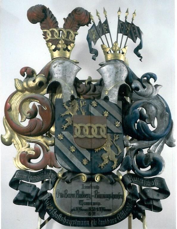 O. Budberg-Bönningshauseni vapp-epitaaf. 1908 (puit, polükroomia). Foto: Toomkiriku vapitöökoda 1993