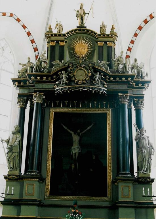 Altarisein e. retaabel. N. Tessin jun. kavand, teostus Chr. Ackermanni töökoda, E. W. Londicer. 1696 (puit, polükroomia). Foto: Jaanus Heinla 2003