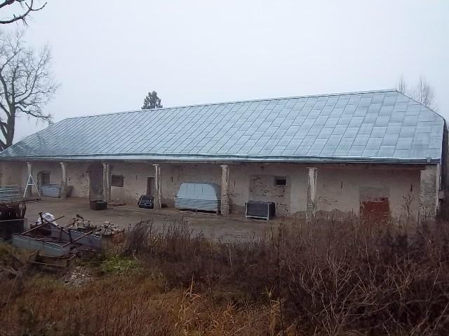 Kasti mõisa aida eestvaade. K. Klandorf 22.11.2011