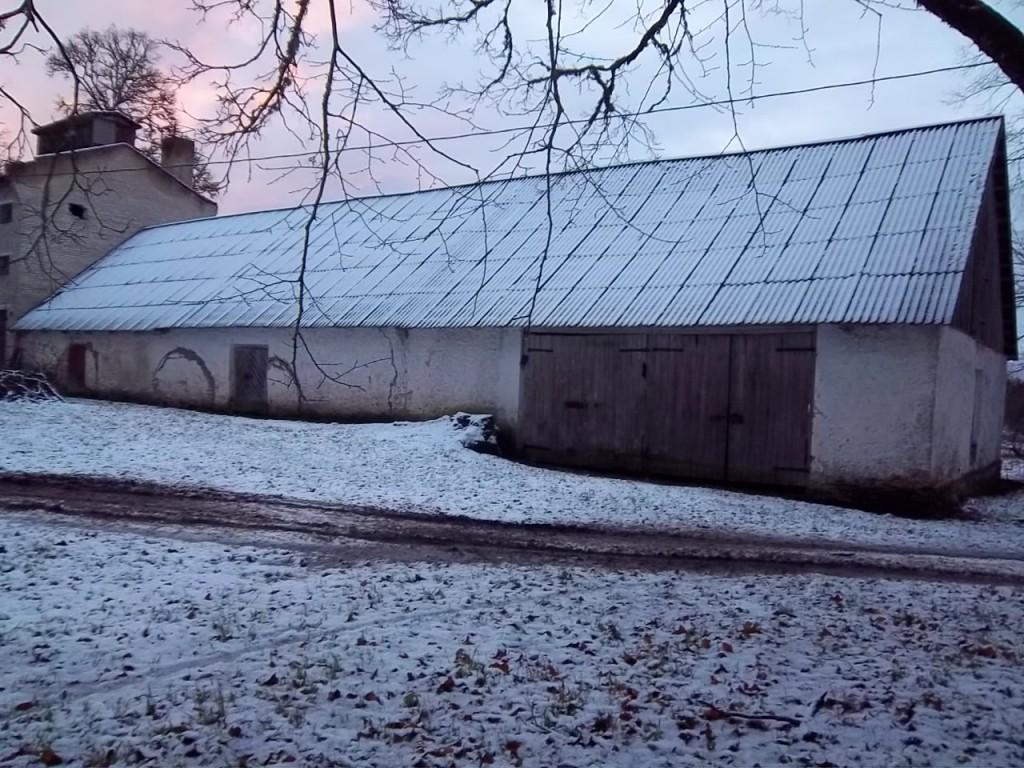 Härgla mõisa aida esikülg. K. Klandorf 06.12.2011