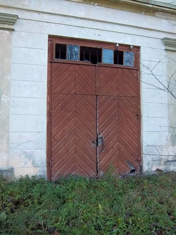 Kuusiku mõisa aida uks. K. Klandorf 15.11.2011