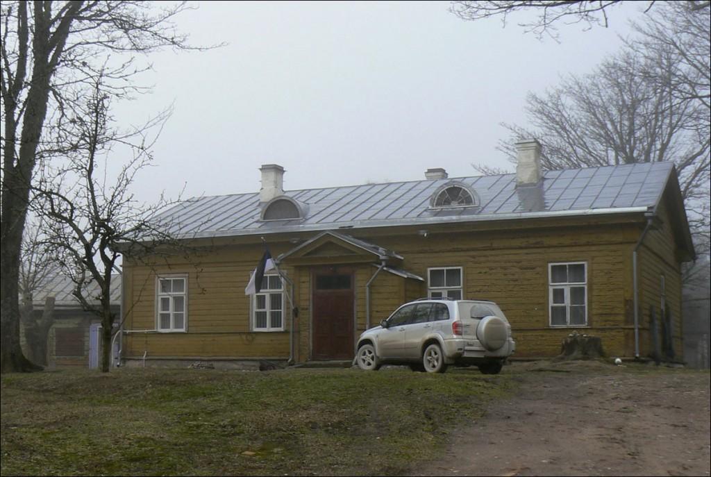 Ristna tuletorni ülevaataja elamu  Autor D. Lukas  Kuupäev  07.04.2007