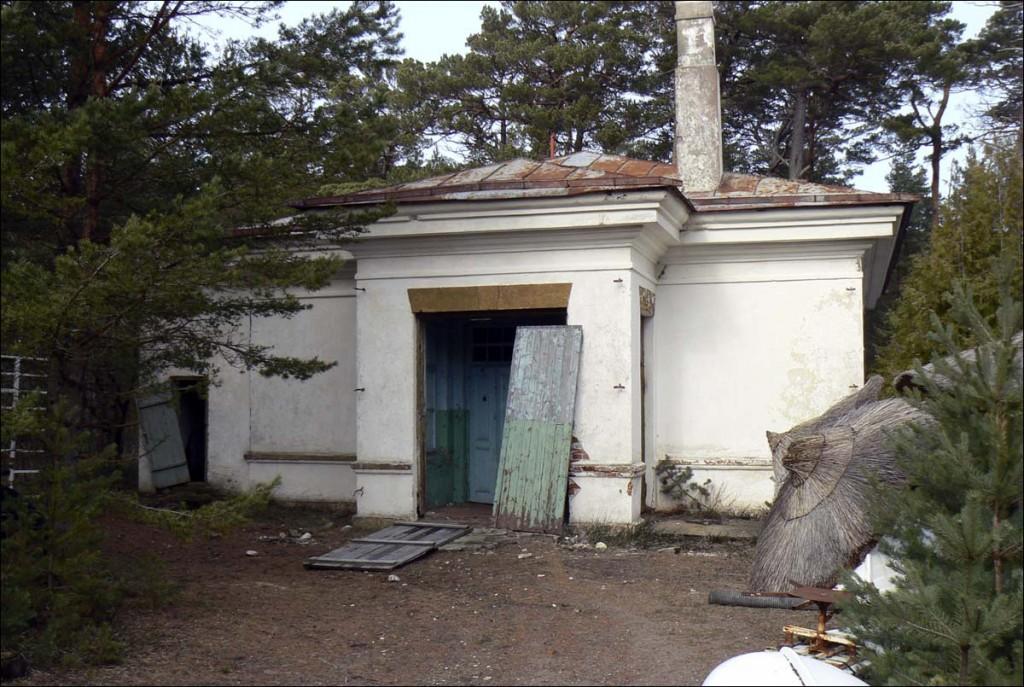 Ristna tuletorni sireenihoone  Autor D. Lukas  Kuupäev  07.04.2006