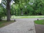 Vaade peaväravast esiväljakule, 2011.a. valmisid kivikattega teed peahoone ümber. Foto 16.06.2011.a. , autor Anne Kivi