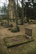 Haud Puski surnuaias  Autor M. Mõniste  Kuupäev  18.01.2007