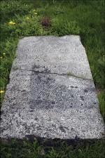 Ainuke säilinud hauatähis Sõrul  Autor M. Mõniste  Kuupäev  12.05.2007