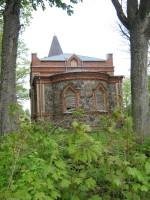 Tänassilma kirikule vaade kalmistu poolt. Foto: Anne Kivi, 17.05.2012