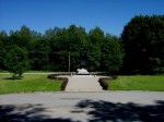 Vaade Rahumäe  kalmistu vastas olevale Vabadussamba platsile Foto 21.06.2012 Anne Kivi