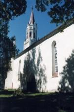 Vaade Paistu kirikule lõunaküljelt. Foto: E. Loit
