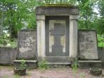 Vabadussõjas invaliidistunute matmispaik mälestussambaga. Foto: I.Noorlaid, kuupäev 22.06.2011