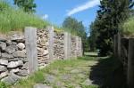 Linnuse läänepoolne väravakäik. Foto: Kaisa Milsaar, 21.06.2012.