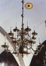 Kroonlühter kuueteistkümne tulega, 17. saj. (messing) Foto: Jaanus Heinla 2001