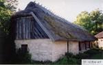 Tooma talu uus ait.  Foto: Mõisaprojekt OÜ (N. Rohtla). 2004.