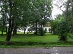 Vaade  Kurisoo mõisa pargi tagaväljakule lõunast. Foto Silja Konsa 28.08.2014.