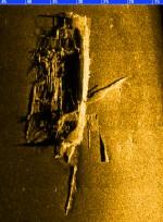 Külgvaate sonari kujutis vraki leiukohast. Muinsuskaitseamet 2014.