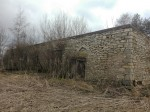 Põhjaka mõisa vesiveski varemed, vaade põhjasuunast tagaküljele. Foto: K. Klandorf 22.03.2017.