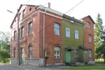 Vaade hoone tagaküljele kirdest. Foto: Hanna Selvet 26.08.2011