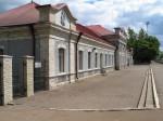 Vaade raudteejaama peahoone lõunaküljele edelast. Foto: Urmas Oja, 2004
