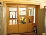 Suure ja väikese ootesaali vahelised uksed.  Foto: Urmas Oja, 2004