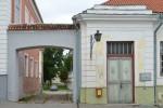 Kivist väravamüür Pikk 3 ja Pikk 5. Foto 30.08.2012
