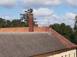 Vinni mõisa peahoone. Foto: Raili Uustalu 25.07.2019. Vaade kortermaja trepikojast peahoone katusele.