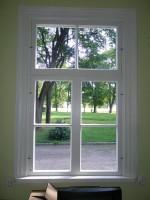 Restaureeritud aken. Pilistvere Laenu-Hoiu ühisuse hoone  22.07.2010 Foto: Margo Pädam