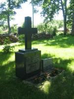 Preestirte  hauad kirikaias Nele Rent 17.06.2010