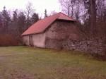 Vaade Kuusalu kalmistul asuvale hoonele ja piirdele.  Autor Ly Renter  Kuupäev  23.11.2006