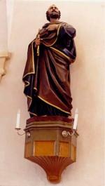 """Skulptuur """"Apostel Peetrus"""". J. R. Salemann, 19. saj. keskpaik või II pool (kunstkivi, valatud, polükroomne) Foto: J. Heinla, 2003"""