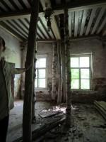 15868 Võhmuta mõisa peahoone, vaade seest toestatud laele. 06.07.2011 Anne Kaldam