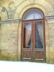 15977 Inju mõisa peahoone, ukse klaas on puruks, sissemurdmine jaanuar 2012.foto  09.01.12, Anne Kaldam