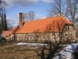 Veel üks avariiline hoone on päästetud elule. Uus kivikatus särab kevadpäikese käes.  Autor: 28.03.2012 Viktor Lõhmus
