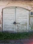 Kehtna mõisa tall-tõllakuuri algupärane uks. K. Klandorf 23.05.2012