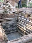 Ülikooli 14. Tartu vanema ajaloo uurimine pärast tekitatud takistuste äralangemist. Tühjaks kaevatud jäätmekast.  Autor A.Unt  Kuupäev  07.08.2007