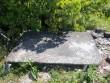 Altari kiviplaat kiriku idaküljel. Foto Silja Konsa 21.07.2012