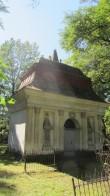 7084 Tartu Raadi kalmistu Telleri kabel Vaade kirdest Autor Triinu Kaaret Kuupäev 03.08.2012