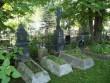 Ajaloolised hauatähised ja piirded kalmistu idaosas. Foto Silja Konsa 14.09.2012