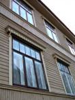 Süda 9 hoovipoolsed aknad. Foto: Helen Kallaste, 21.11.2012