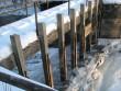 Kunda tsemendivabriku hüdroelektrijaama hoone, tamm ja algne turbiin koos ülekandemehhanismiga. Vaade paisu varjadele. Kuupäev 18.12.2012. Foto: M.Abel