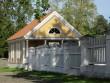15897 Palmse mõisa kavaleridemaja,vaade lõunast sissesõidu teelt, tall-tõllakuuri pooolt , (peahoonest läänes.)  24.08.2012 Anne Kaldam