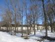 15660 Hulja mõisa park, vaade lõunas, ees näha park, taamal Hulja mõisa peagoone kagufassaad.Aeg 09.04.2013 Pilt Anne Kaldam
