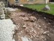 Porkuni linnuse varemed, reg. nr. 15844. Vaade rajatavale teele ning kaevetööde käigus välja tulnud linnuse arvatavale eesvärava müüritisele lõunast. Foto: M.Abel, kp. 29.05.13