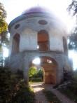 Sutlema mõisa väravatorn, vaade põhjasuunast. K. Klandorf 19.09.2013.