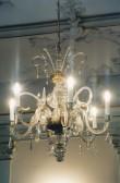 Kroonlühter kuue tulega, 19/20. saj. (klaas, pronks) Foto: Jaanus Heinla, 2000