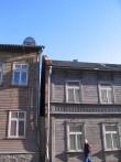Narva mnt 121 tulemüüril peaaegu puudub katteplekk. Foto Egle Tamm, 25.02.2014.