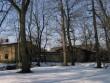 Arkna mõisa puutöökoda : vaade kirdest- pargist, parempoolne puutöökoda.  Autor Anne Kaldam  Kuupäev  01.04.2008