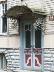 Weizenbergi 14 restaureeritud uks