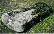 Trapetsikujuline hauaplaat. 13. saj. (paas) Foto: S.Simson 2003